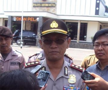 AKBP Ratno Kuncoro, SIK di halaman Mapolresta Kediri